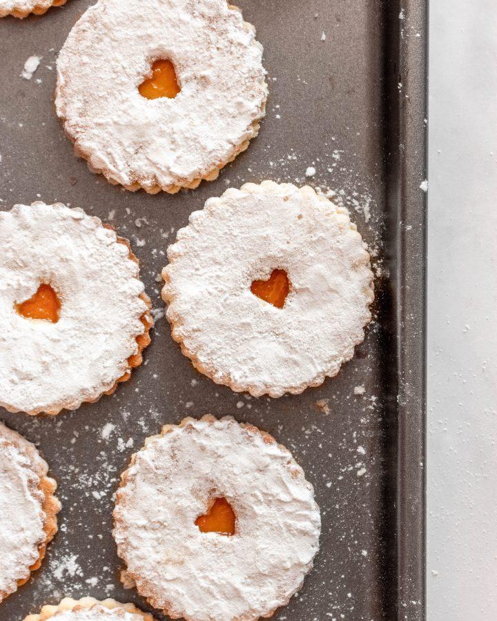 Jam Filled Cookies | damnspicy.com #cookies #linzercookies #nutfreelinzer #easycookierecipes #russiandesserts #russianrecipes