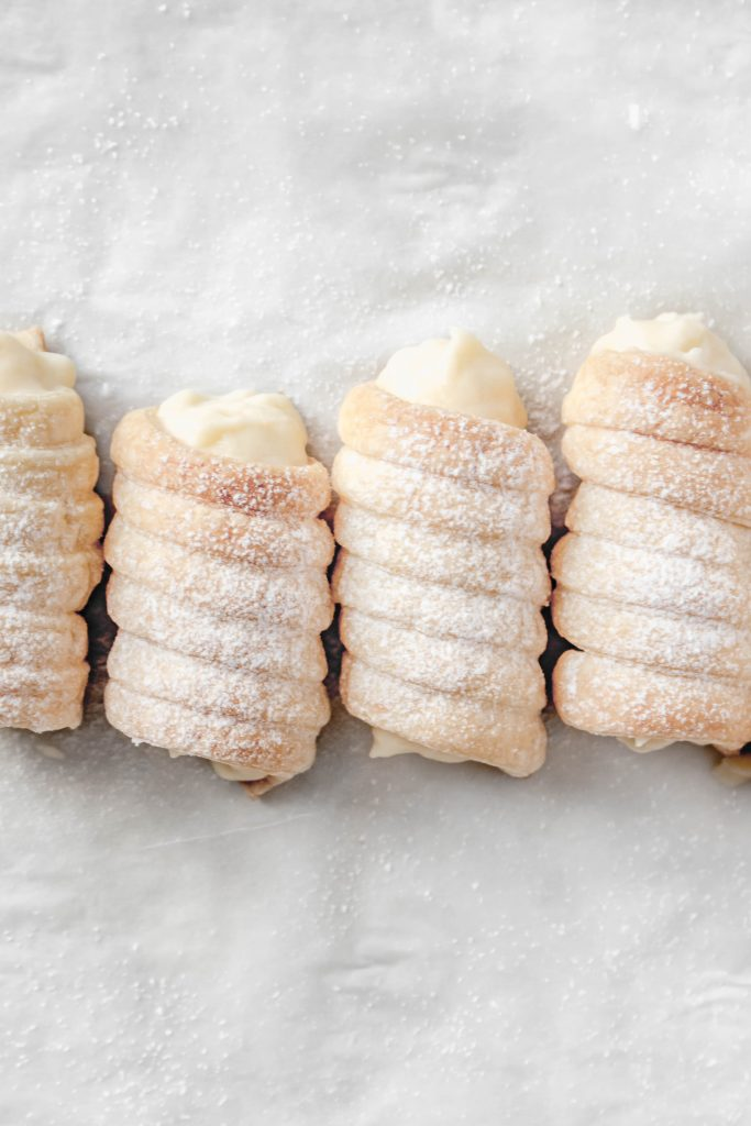 How to make Custard Cream Horns at home