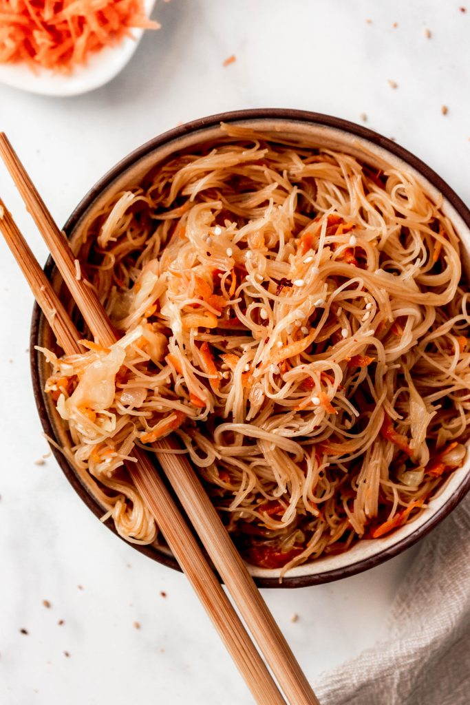 Veggie Vermicelli Stir Fry With Cabbage And Carrots | damnspicy.com #easyrecipes #vegandinner #veganrecipes #vermicellirecipes #asianrecipes